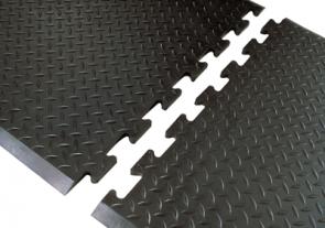 Diamond Top Interlocking Mat