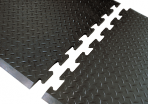 Diamond Top Interlocking Mat